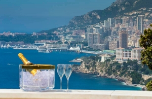 luxury_villa_monaco_summer_in_the_city