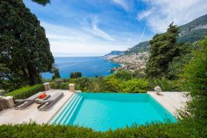 luxury villa monaco swimming pool with monaco panorama (3)